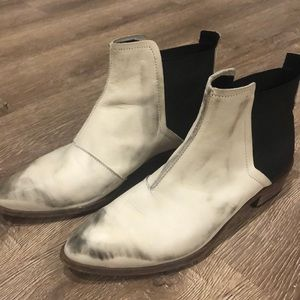 Hardly Worn Leather Low White Cowboy Boot